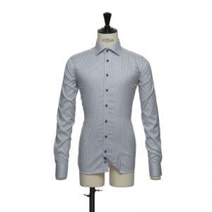 J. Harvest & Frost Red Bow 21, navy skjorte af lækker kvalitet slim fit model