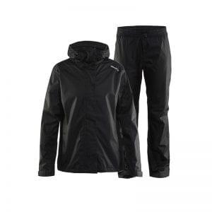 CRAFT Rain set, regnsæt Kvindemodel i sort i lækkert tyndt materiale der er flexibelt at have på mens du undgår at blive våd. Sort sæt