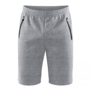 CRAFT Emotion Sweatshorts, sweat shorts i lys grå udgave med sort detalje ved lynlåslommerne i siden.