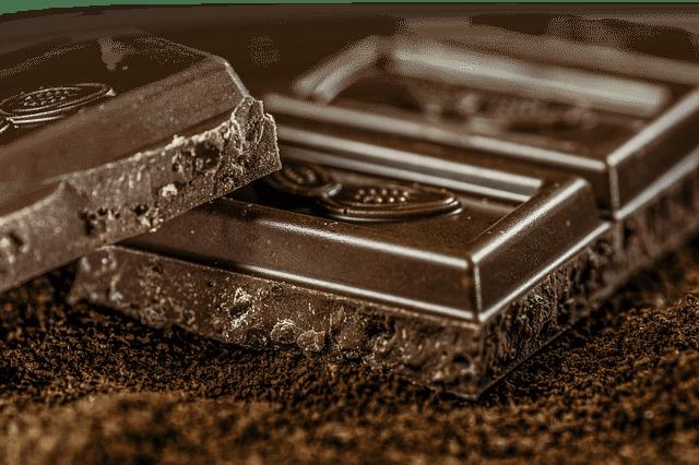 Lækker chokolade set tæt på. Kendte mærker chokolade