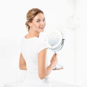 Make-up spejl med lys og forstørrelse funktion fra beurer