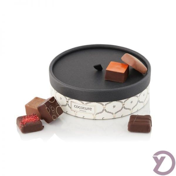 30801300 Palæ. 9 Stk. Fyldte Chokolader I Rund Palæ æske 110g. fra Y-design