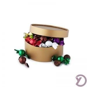 40201040 Mix Af Fyldte Chokoladekugler I Guld Hatteæske. 300g. fra Y-design