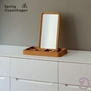 spring-copenhagen-mirror-box-stemning